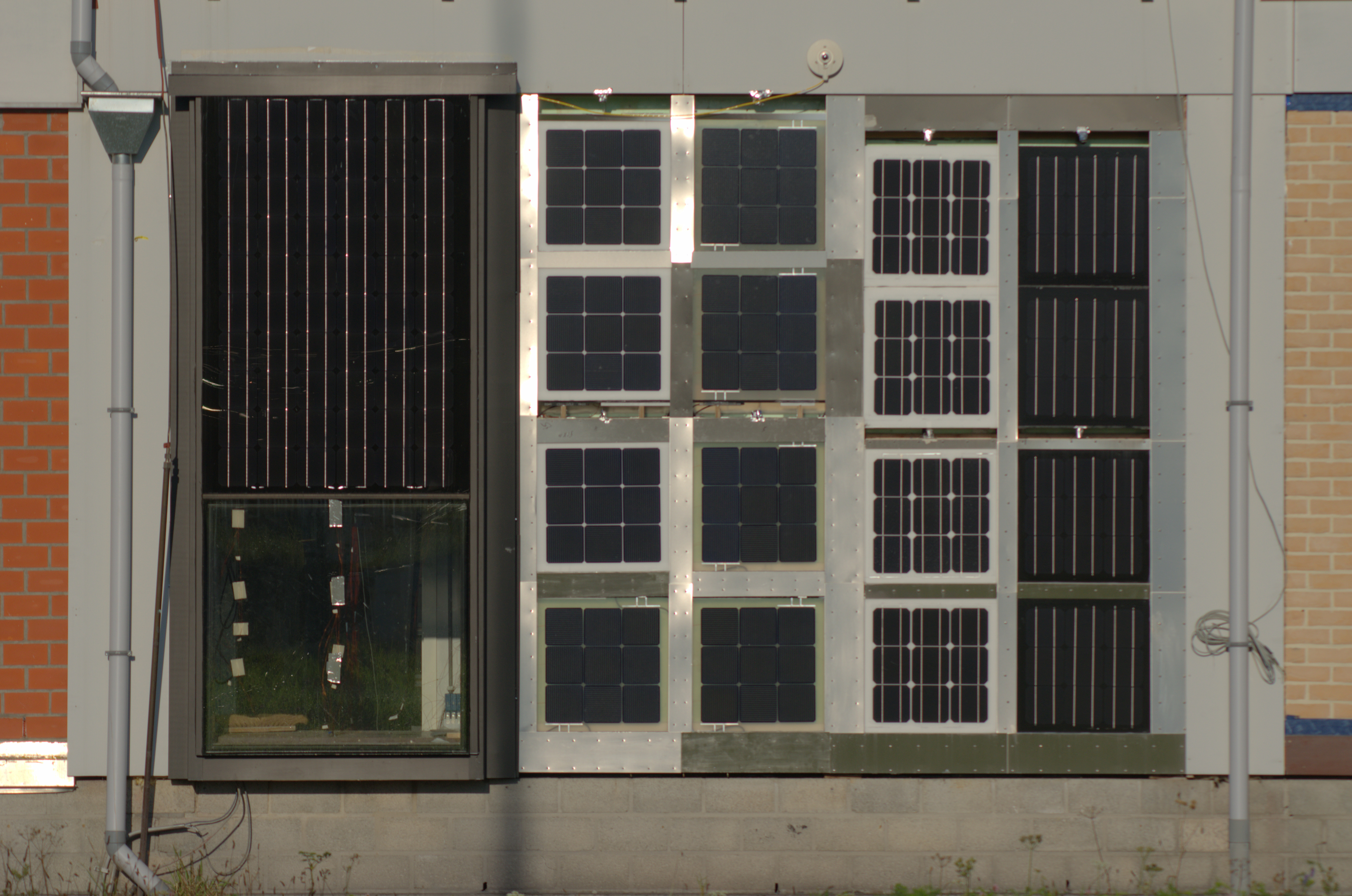​​Outdoor test field for façade-mounted BIPV modules (facilities in Leuven & EnergyVille 2)